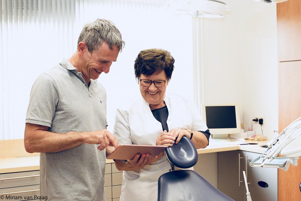 implantoloog-hoofddorp-van-praag-tandheelkunde-implantaten-depraktijk1